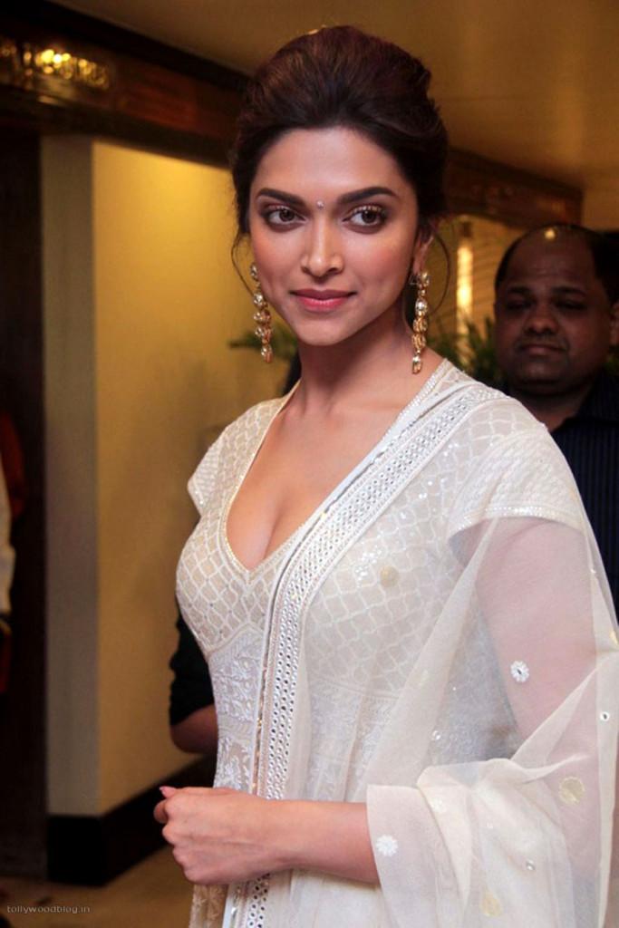 Deepika Padukone Latest Hot Photos Stills