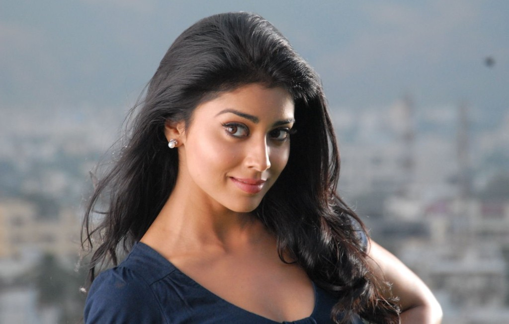 Babe Shriya Saran mobile wallpapers