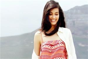 Diana Penty with Cute Smile -fun roundup