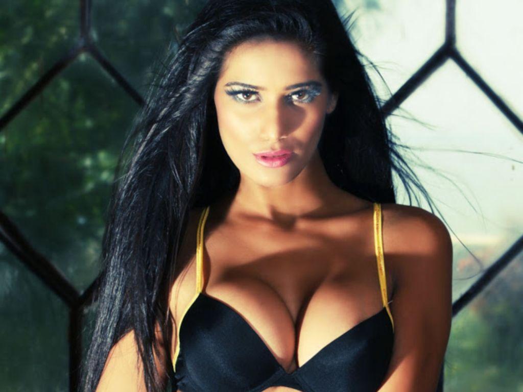 Poonam Pandey Nude Hot Pics
