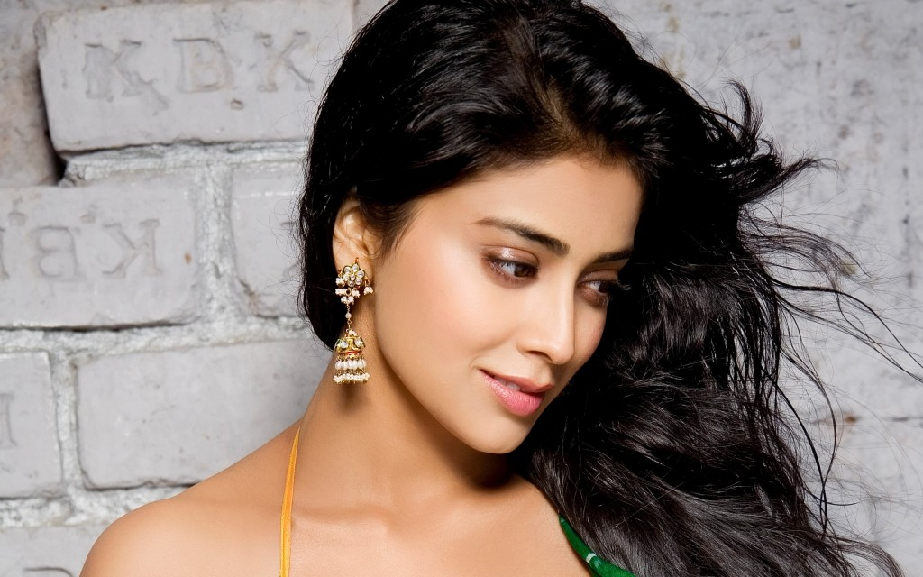 Shriya Saran photo stills