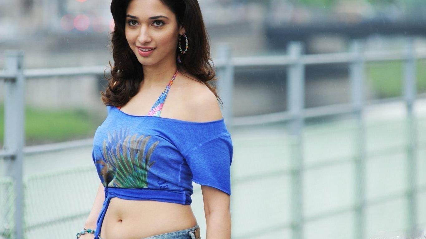 Tamanna Bhatia Rare Hot Pics & Unseen HD Bikini Wallpapers