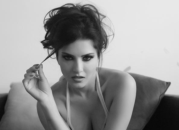 sizzling Hot Sunny Leone Latest Photos