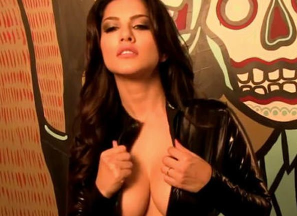 sizzling Hot Sunny Leone wallpapers