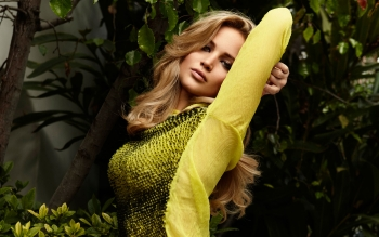 Jennifer Lawrence yellow dress