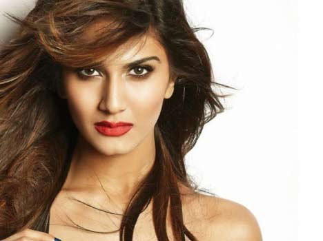 vaani kapoor hot photoshoot for fhm