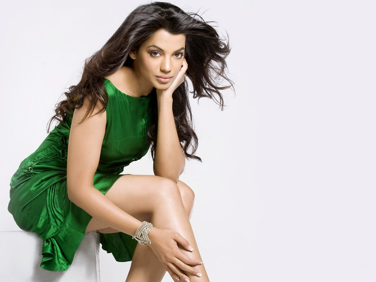 Mugdha green dress