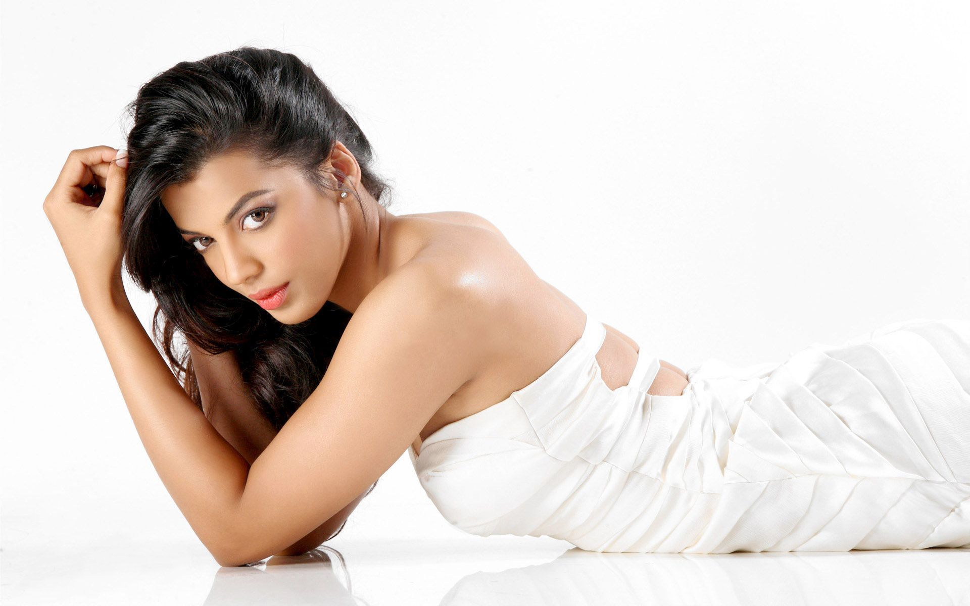 Mugdha-lying-in-white-dress