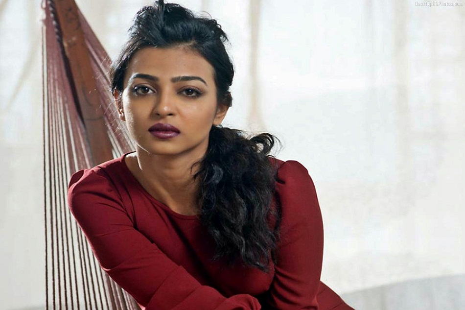 famous-actress-radhika-apte-looking-beautiful