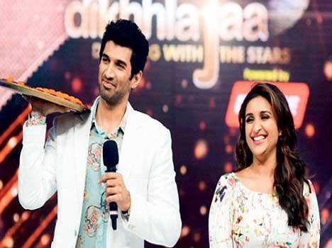 Parineeti chopra at TV reality show for promotion of film daawat e ishq