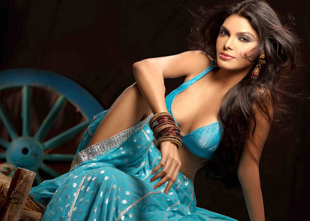 Sherlyn Chopra unflattering photo