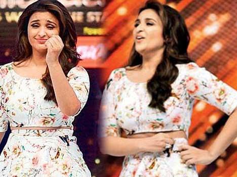 parineeti chopra wardrobe malfunction pull up her skirt