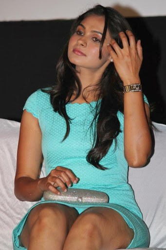Andrea Jeremiah H0t Photoshoot in Cyan Mini Dress at Endrendrum Punnagai Movie
