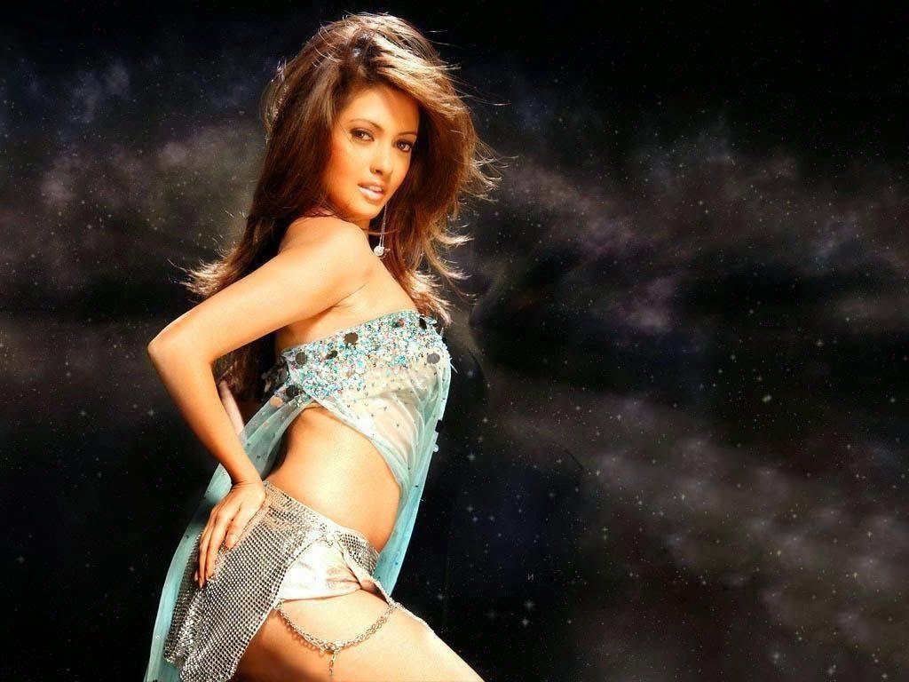 Bollywood Actress Indian Riya Sen HD Wallpapers