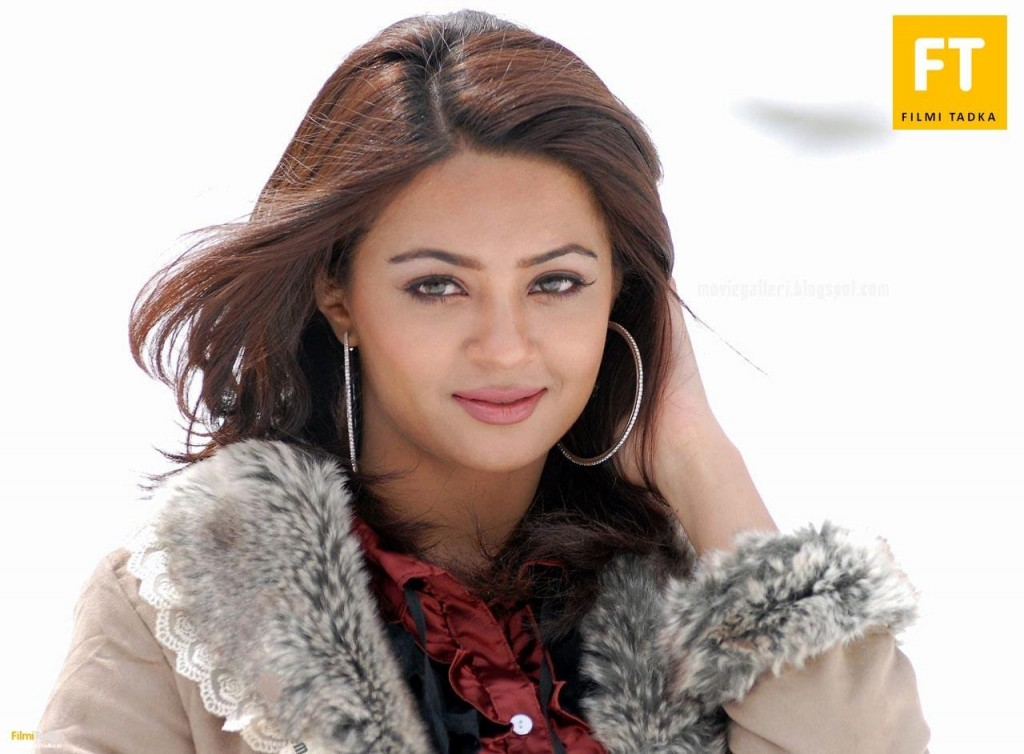 Courteney Cox HD Surveen Chawla Wallpapers