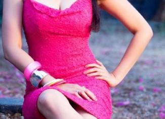 Daisy Shah hot pics