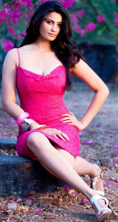Daisy Shah Sizzling Unseen Photo