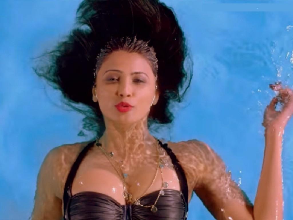 Daisy Shah regrets not wearing bikini in Hate Story 3