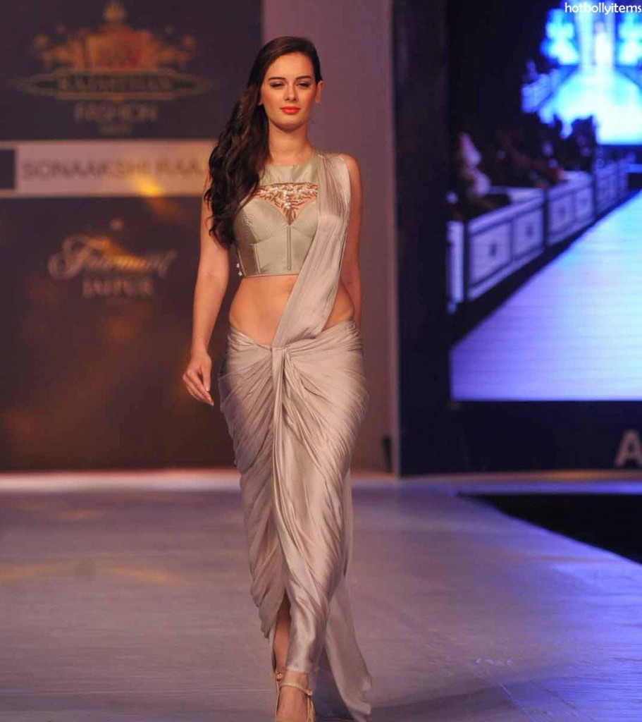 Evelyn Sharma walking the ramp at the Rajasthan Fashion Week