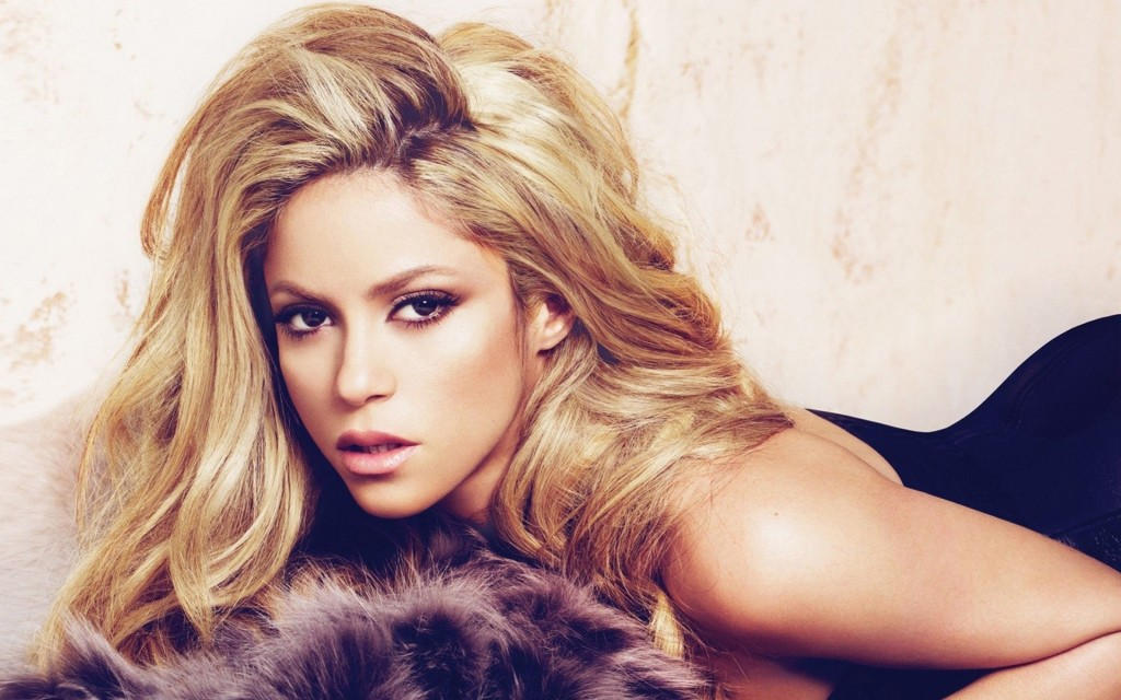 Glamorous Shakira