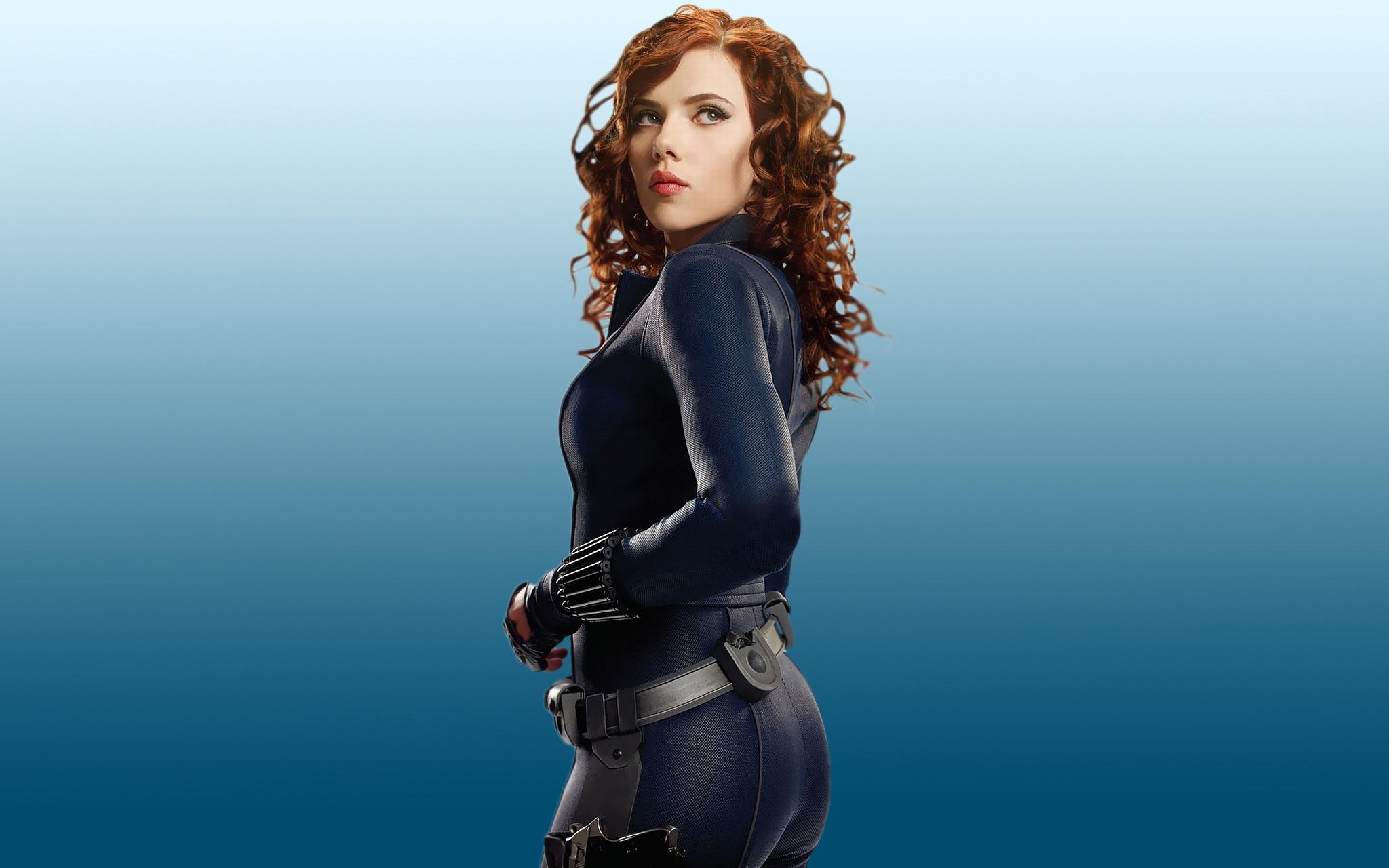 Scarlett Johansson Painting Wallpaper