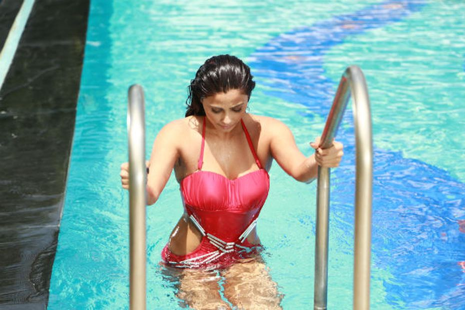 Pics of Daisy Shah Hate Story series