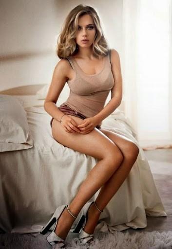 Scarlett Johansson Sexy Avtar in shorts dress