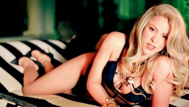 Shakira hotest picture still