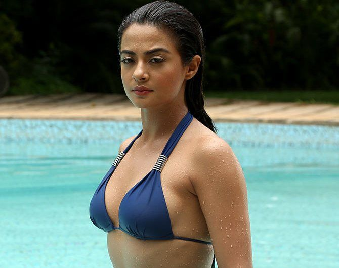Surveen Chawla Bikini wallpapers