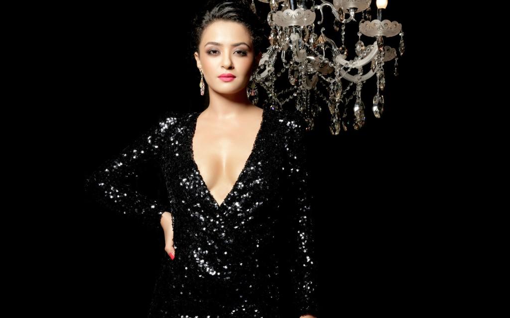 Surveen Chawla Hot In Black Dress