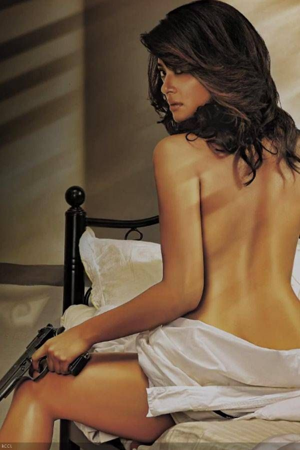 Surveen Chawla Movie Pic