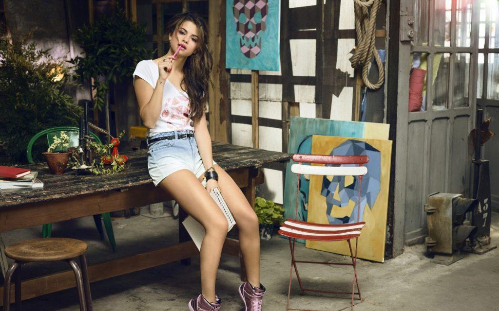 Selena latest pics