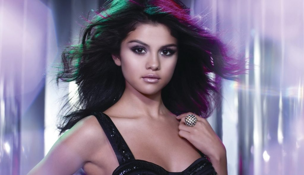 selena-gomez-sexy-wallpaper-hd-wallpaper