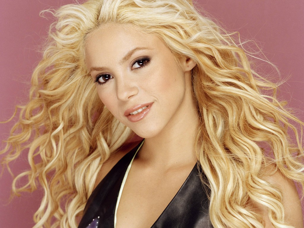 shakira wallpaper laptop