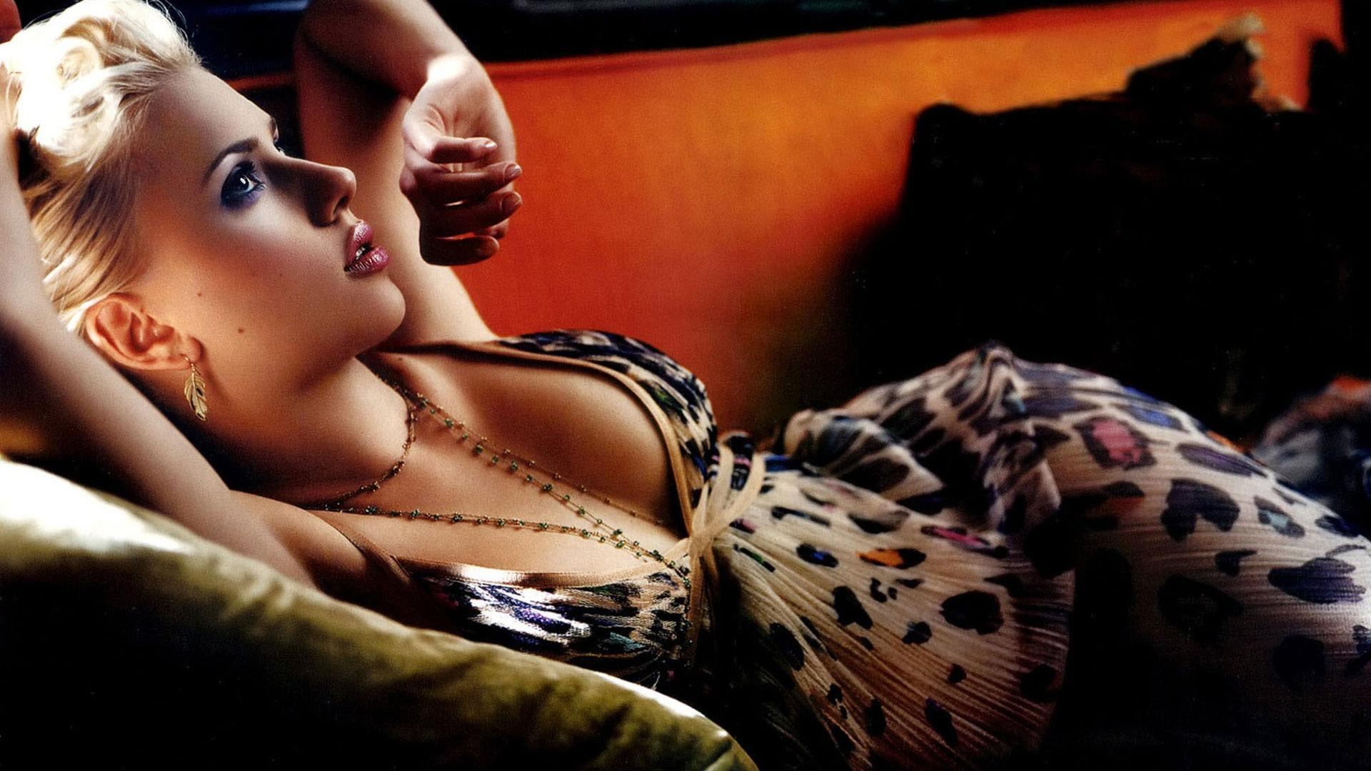Scarlett Johansson Awesome Pics
