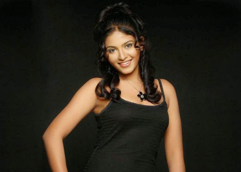 Anjali latest pictures in black dress