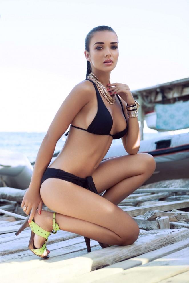 foto de Amy Jackson Hot Pics: 19 Hot &Bikini Swimwear Photos