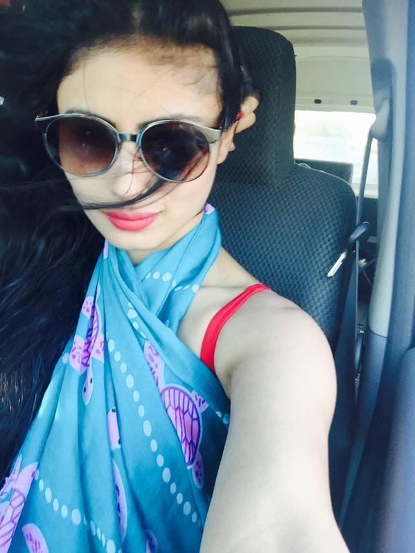 mouni-roy-cute-selfi-in-car-after-swimming