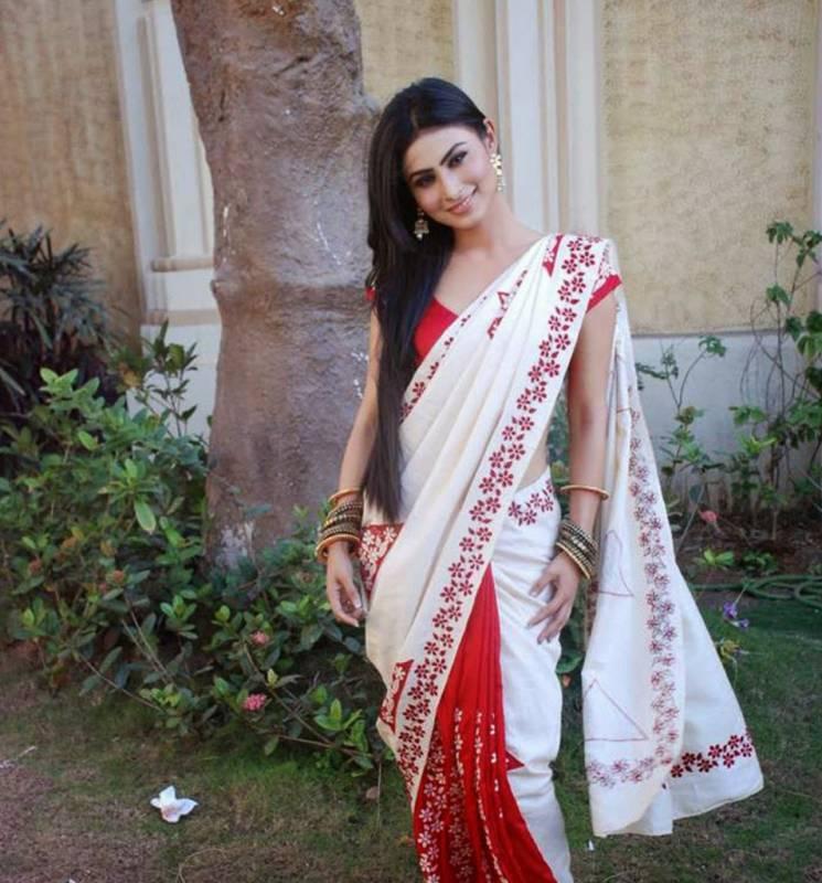 mouni-roy-hot-white-saree
