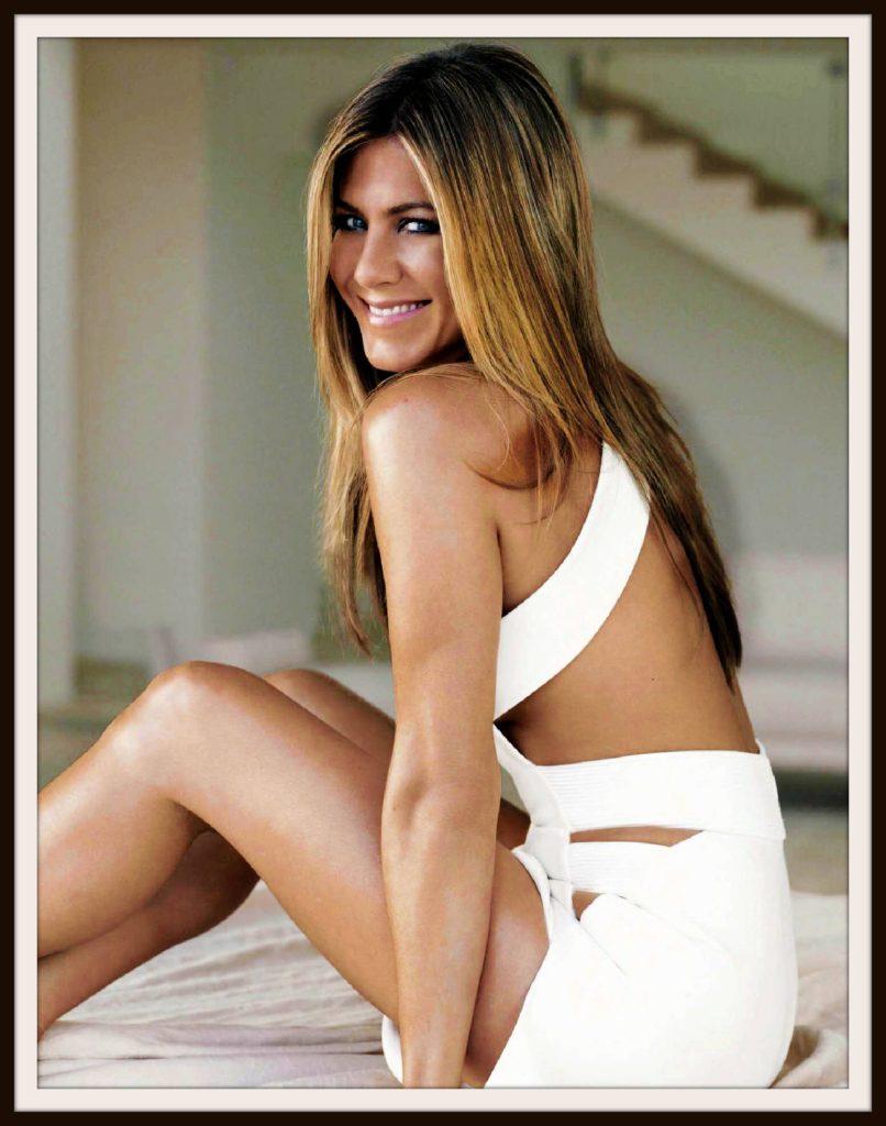 Jennifer Aniston Bikini Pics