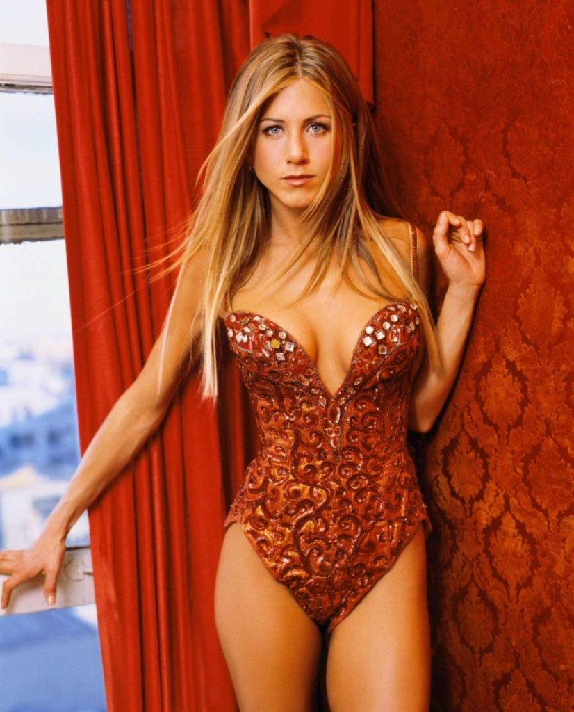 Jennifer Aniston Bikini Photos