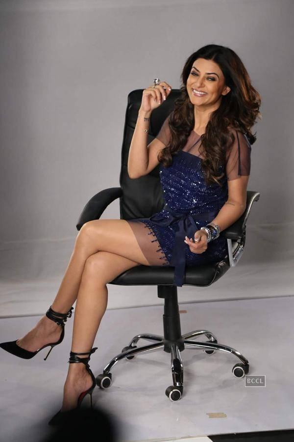 Sushmita Sen hot thigh