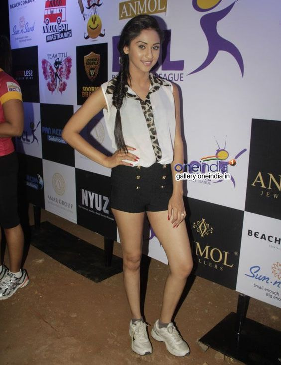 krystle-dsouza-hot-and-unseen-pictures