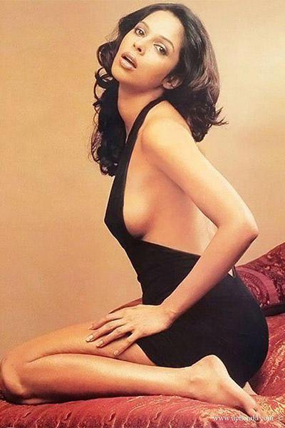 mallika-sherawat-in-a-hot-black-body-suit