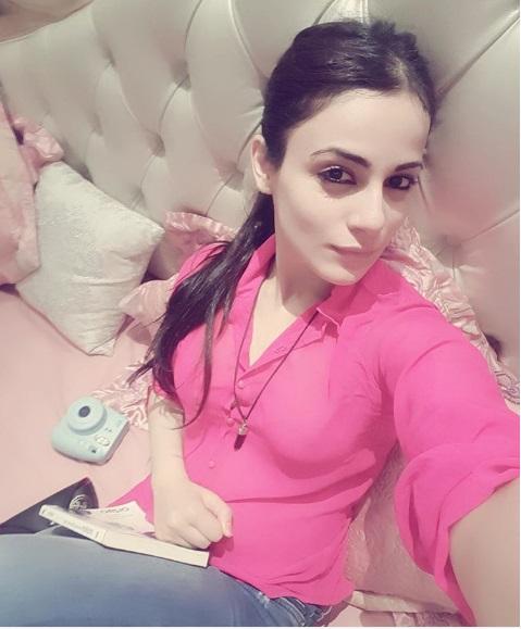 Radhika Madan's Hot Pictures | TV Actress ishaani hd Pics & Latest ...