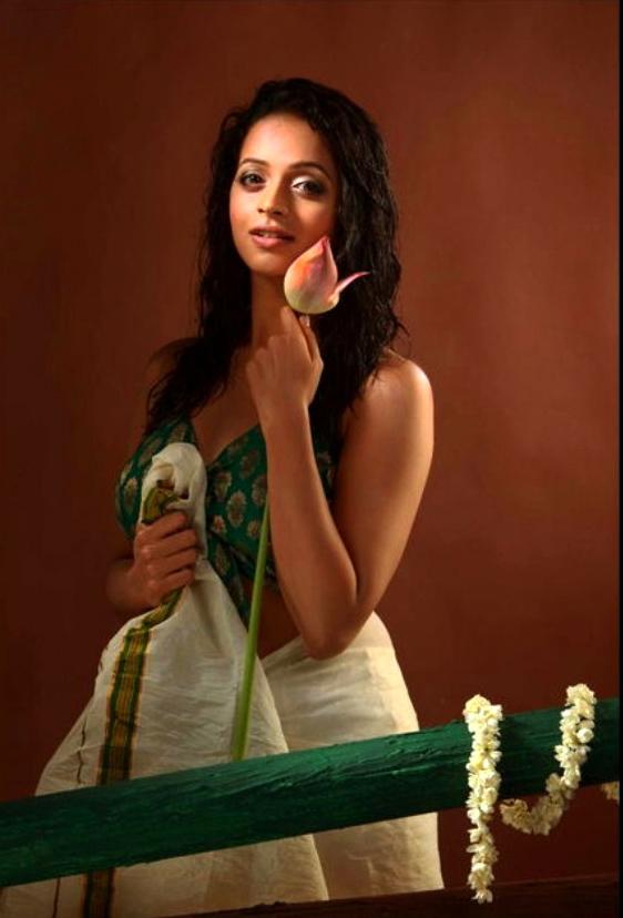 Actress Bhavana Hot Photos, Bikini Images & Latest Pics - FunRoundup.com