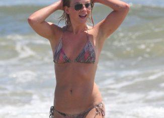 Julianne Hough hot