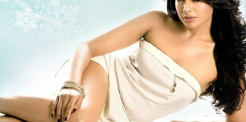 Sameera-Reddy-Hot