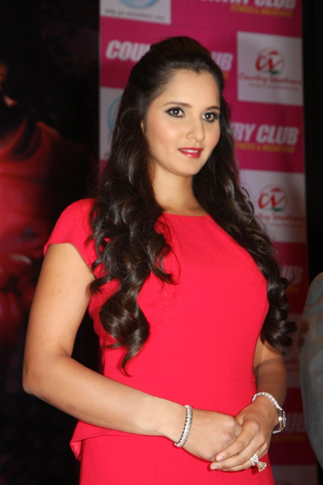 Sania Mirza looking hot in red dress