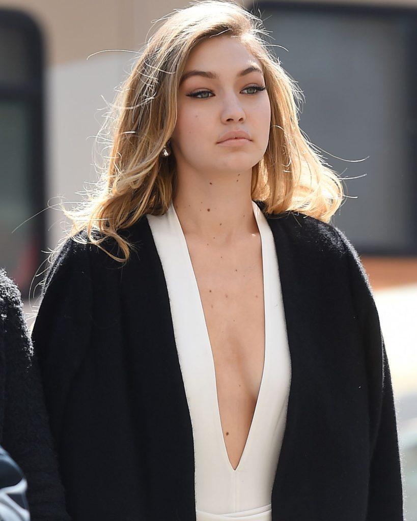 15 Hottest Photos of Gigi Hadid | Bold Bikini Pictures You ...